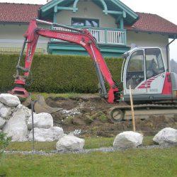 Steinschlichtungen . Steinmauer . Bagger . Befestigung (17)