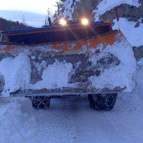 Winterdienst . Traktor . Schneeräumung (5)