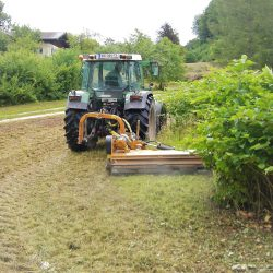 erdbau traktor mäharbeit poelzleitner.eu